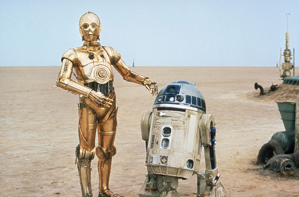 R2D2 and C3PO on Tatooine